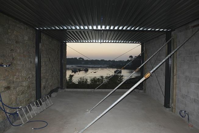 Habitation métal bois